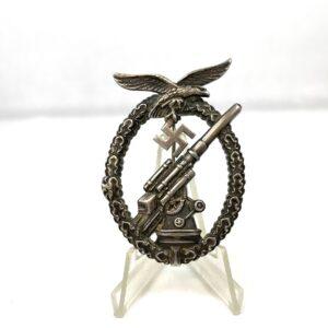 militaria Badges and Insignias